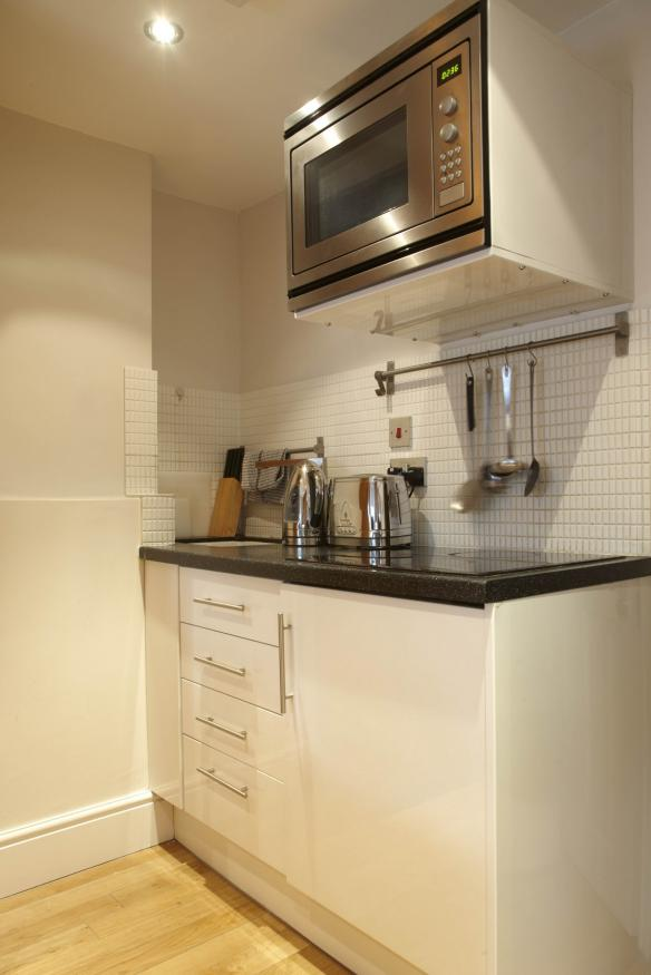http://www.apartmentsinlondon.co.uk/wp-content/themes/realtorpress/thumbs/Apartments-in-Covent-Garden-and-West-End_Kitchenette-L-.jpg
